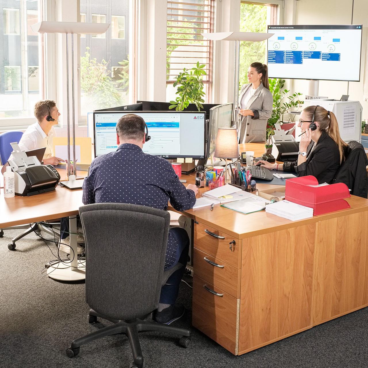 Une moyenne de 10'000 appels par mois sont traités par le service en charge du numéro d'appel gratuit (0800 721 721).